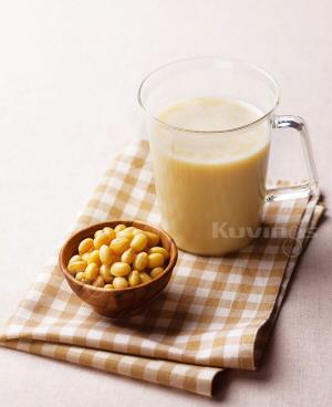 Làm sữa đậu nành